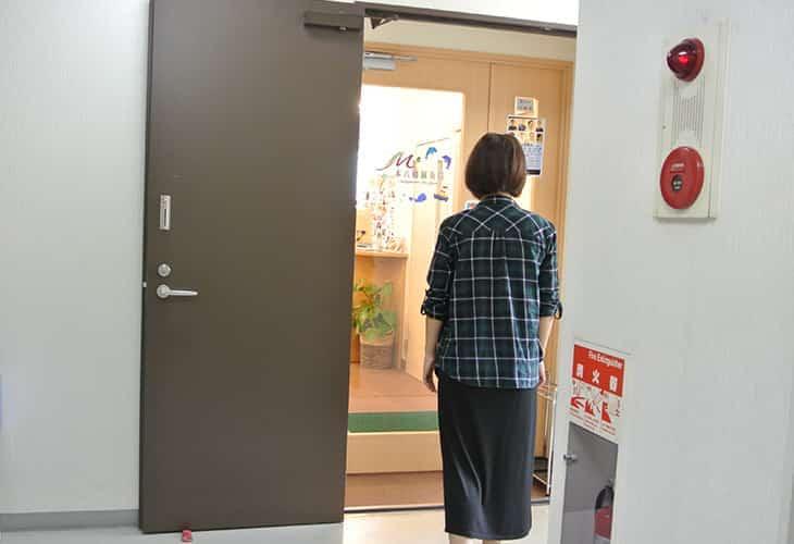 おつかれさまでした。本八幡鍼灸院の入り口に到着です。